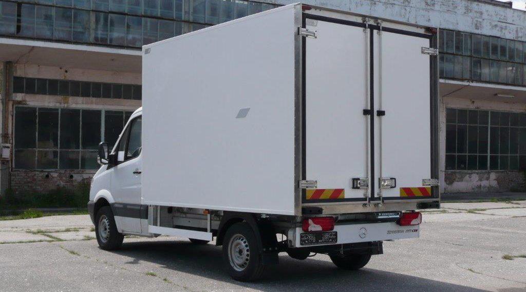 Хладилни Надстройки за камиони от леката гама бруто тегло 3,5т – 5т